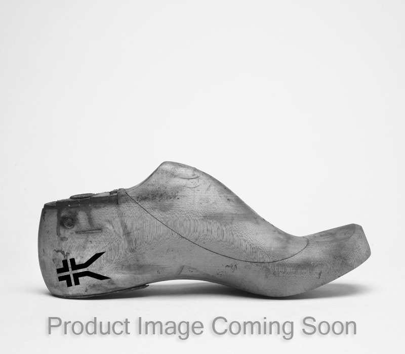 PIVOT - Women's Lace-Up Elastic Sneaker